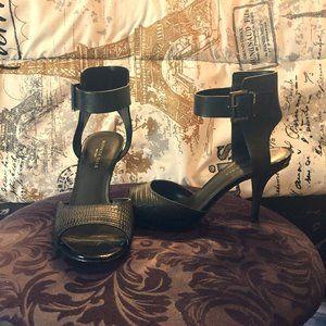 NWOT Kenneth Cole Ankle Strap Sandal